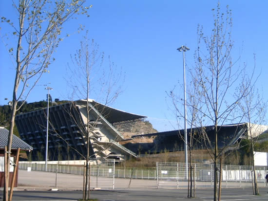Stadium in Braga, Portugal, par l'architecte Eduardo Souto de Moura (photo by Manuel Anastácio)