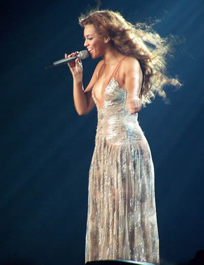 Beyoncé Giselle Knowles (USA), Grammy Awards 2007, ASCAP Awards, American Music Awards, BRIT Awards, World Music Awards, Pop Music Awards (ASCAP), Source Hip-Hop Music Awards, International Dance Music Awards (World)... Prix de Bronze du 5e Art (Musique) / Bronze Prize of the 5th Art (Music)